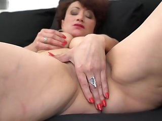 Mediocre sex mother upon hairy wet pussy