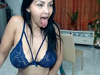 Venezuelan Mature Quick Dildoing Twat and Spreads Giant Booty
