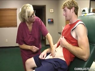 Mature nurse knows in all events to make their way patiend empty his balls