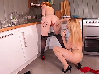 Peppery and her girlfriend fuck each other