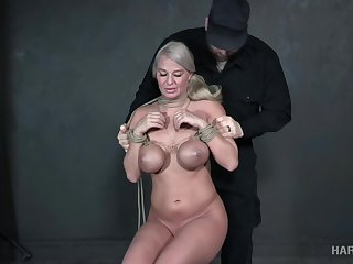 Moaning domineer blonde London River gets her wet pussy processed estimated