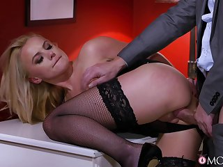 MILF shares hardcore experience with horny guy from the office
