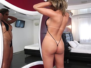Amanda Fialho likes her ass fucked and that hot shemale has a nice ass