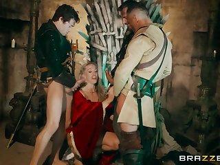 Queen Of Thrones: Fixing 4 (A XXX Parody)
